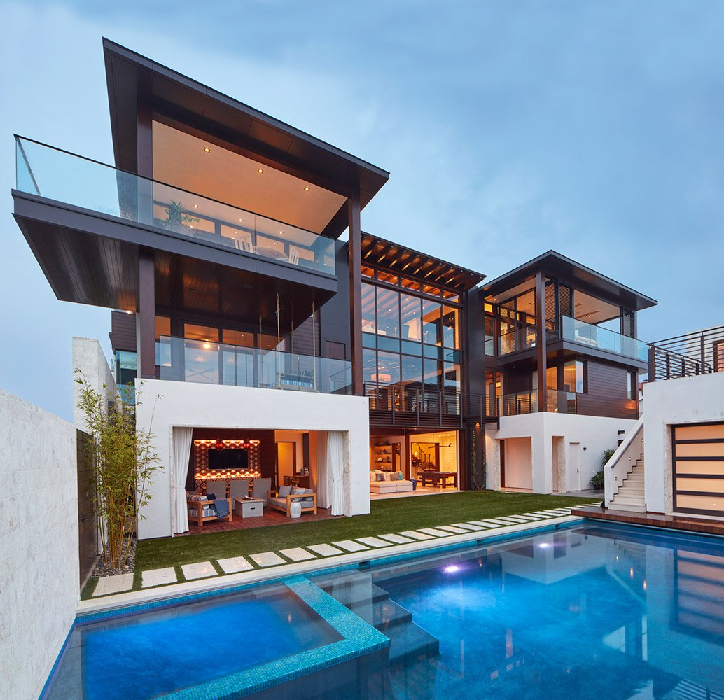 Luxurious resort style